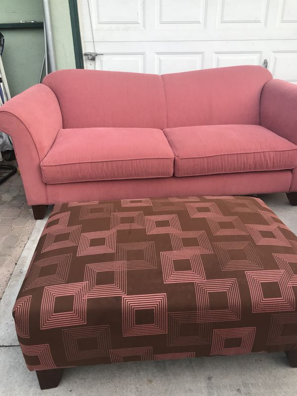 Living room set 3 pieces for Sale in Loma Linda, CA - OfferUp