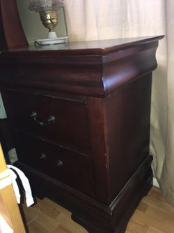 Bedroom furniture queen size bed two night standing one dresser Thumbnail
