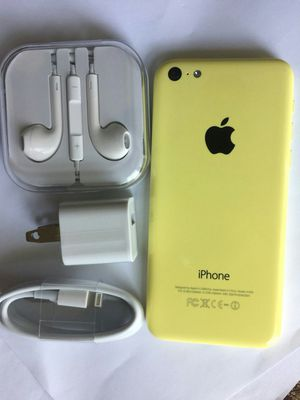 IPhone 5 c , 16GB, UNLOCKED,  Excellent Condition,  Clean IMEI,  No Issues, (Comes with Charger and Headphone) for Sale in Fort Belvoir, VA