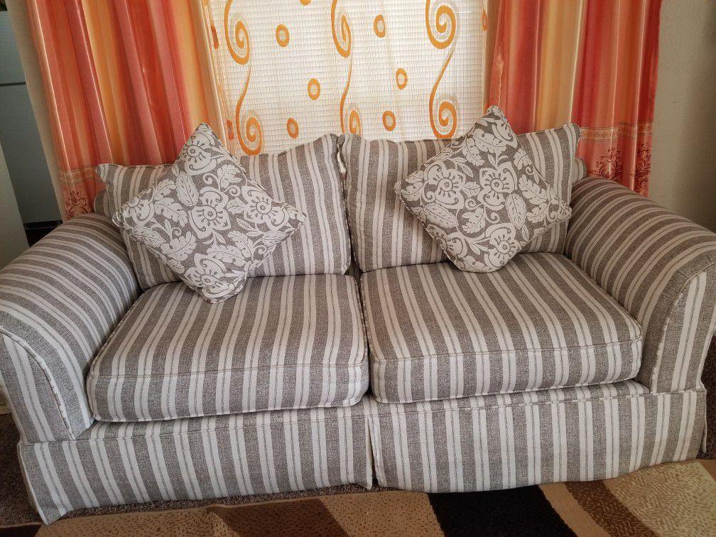Clean and nice sofa