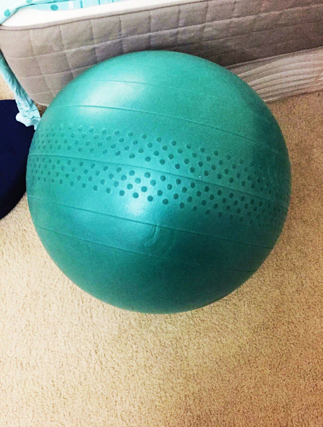 NEW: EXERCISE BALL WITH INFLATOR