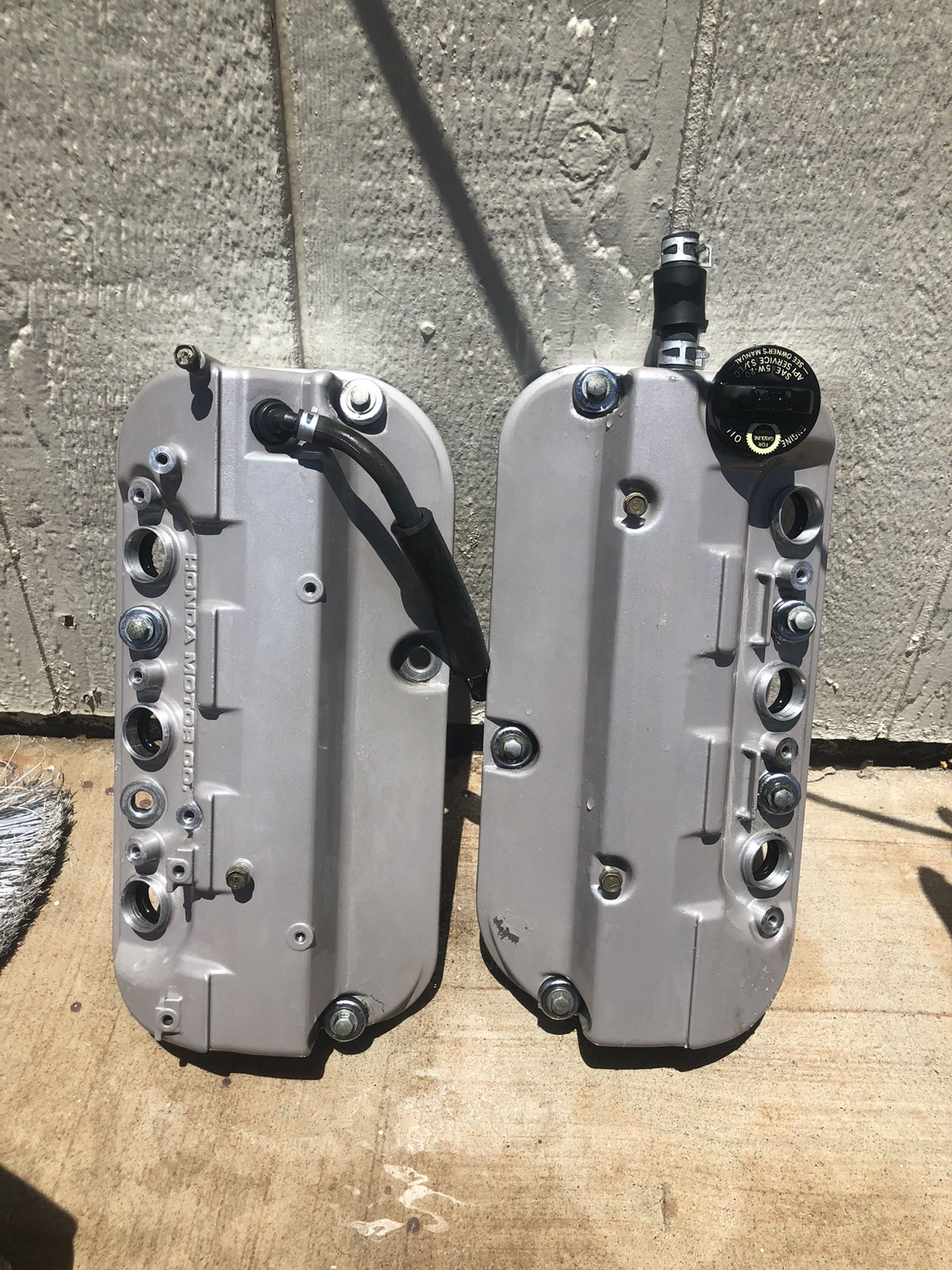 01-03 Acura 3.2 CL or TL Valve Covers