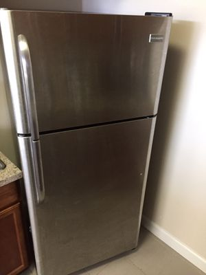 Frigidaire Refrigerator for Sale in Montpelier, MD