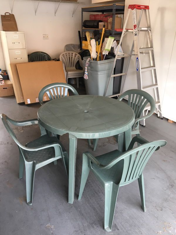 Green Plastic Table And Chairs For Sale In Simi Valley