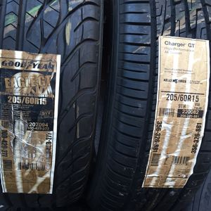 205 60 15 set of 1 goodyear and one kelly similar design same number for Sale in Manassas, VA