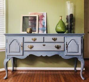 KINCAID buffet table for Sale in Gainesville, VA