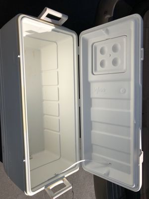 Igloo cooler for Sale in Anaheim, CA