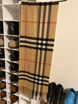 Brand new Burberry scarf SALE ASAP Thumbnail