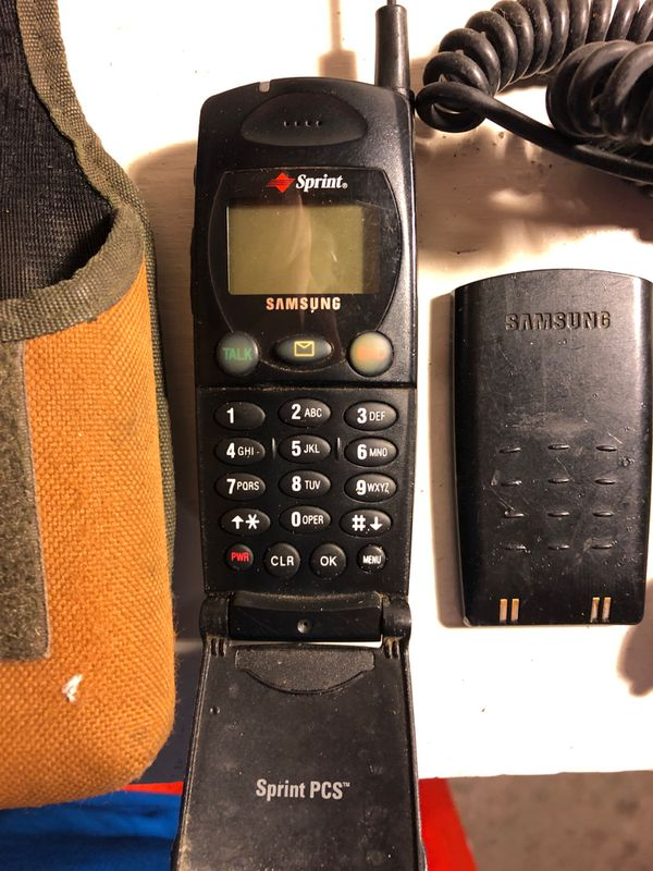 VINTAGE SAMSUNG SPRINT CELL PHONE. MODEL NO. SCH-2000 for Sale in Parma, OH - OfferUp