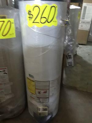 Water heater 40 galones 1 años de garantía for Sale in Vernon, CA