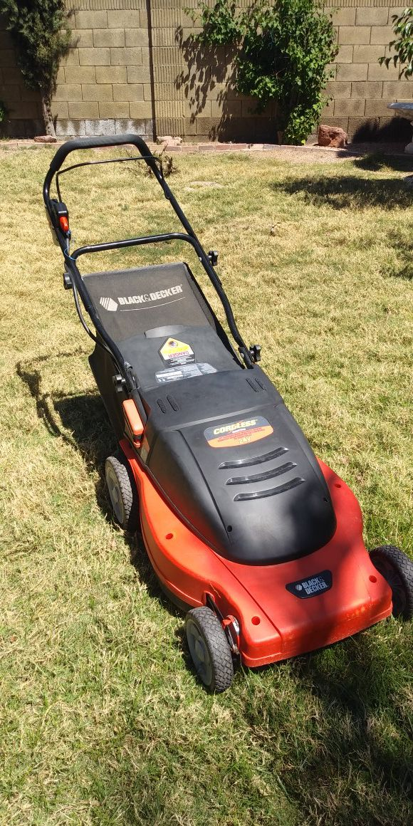 Black Amp Decker Cordless Lawn Mower For Sale In Peoria Az