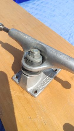 Orion skateboard trucks Thumbnail