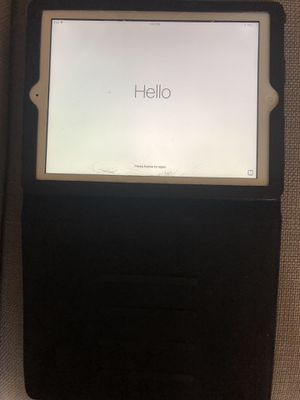 Apple iPad 4 - 32GB with case for Sale in Ashburn, VA