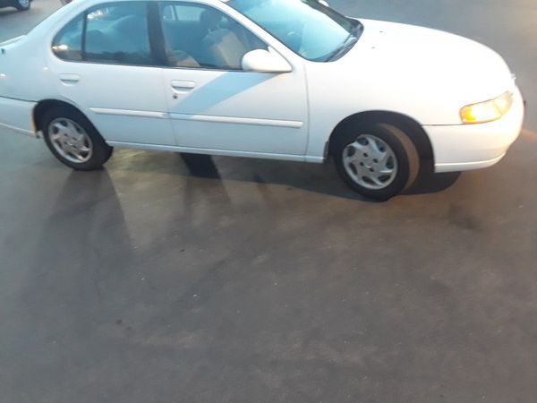 99 Nissan Altima runs clean title pink slip in hand tags good (Cars ...