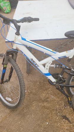 3 bikes SCHWINNN needs tires only in good condition Thumbnail