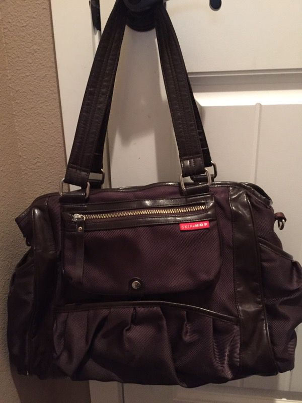 94682df39371 Skip Hop Studio Tote Diaper Bag for Sale in Olympia, WA - OfferUp