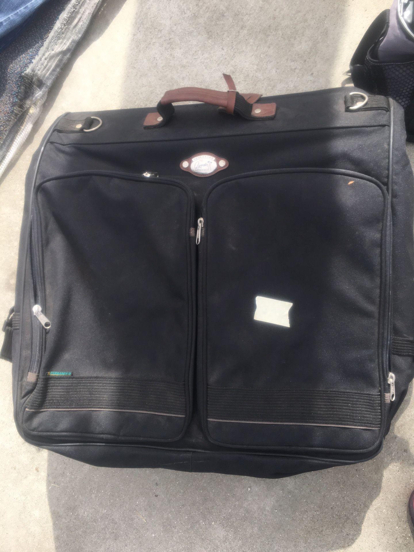 Suit travel carrier
