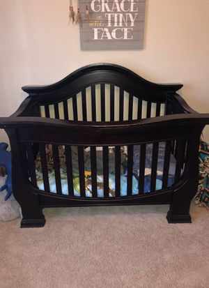 Baby Crib With Matching Dresser For In Temecula Ca