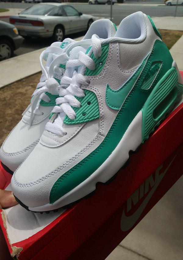 huge selection of 2e3a2 20804 Nike Air Max 90 LTR (GS) (Clothing   Shoes) in Chula Vista, CA - OfferUp