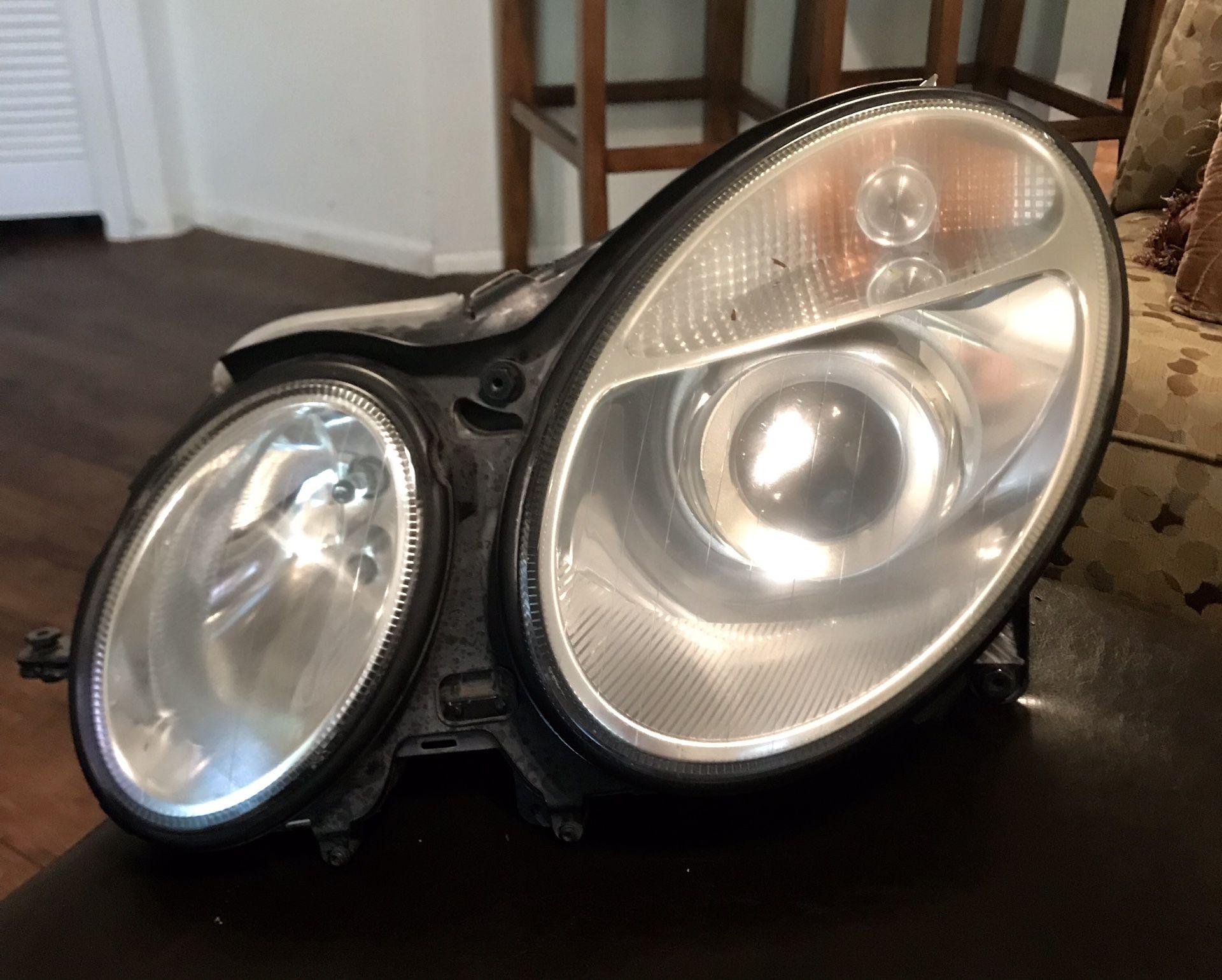 HEAD LAMP-DRIVER SIDE FOR A MERCEDES BENZ E-350 2005-2007....Lámpara delantera lado conductor para Mercedes BENZ E-350 del 2005 al 2007