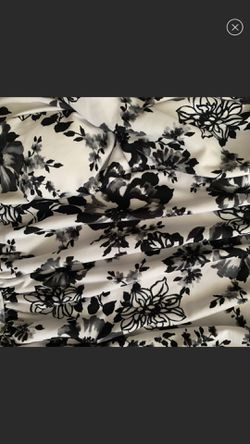 Two piece suit flowery white with black flowers very flattering by Catalina namebrand suddenly slim size medium New Like Condition Thumbnail