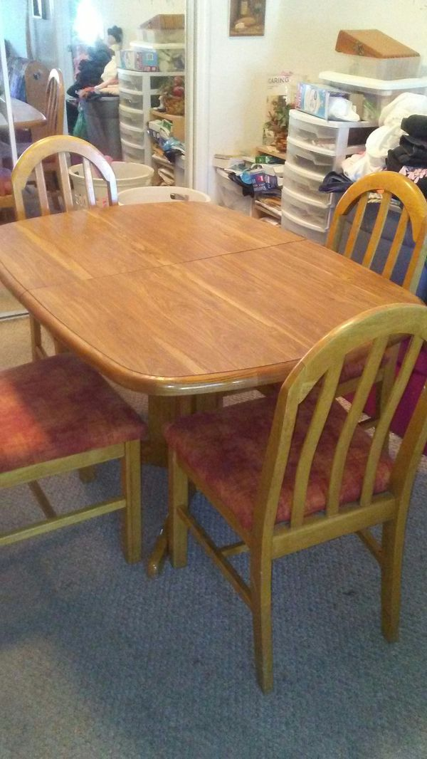 Dining Room Table And 4 Chairs For Sale In Tampa Fl Offerup
