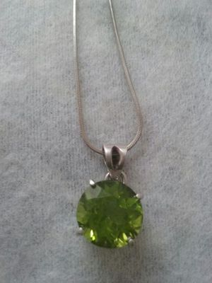 3ct. Peridot Pendant with chain for Sale in Baltimore, MD