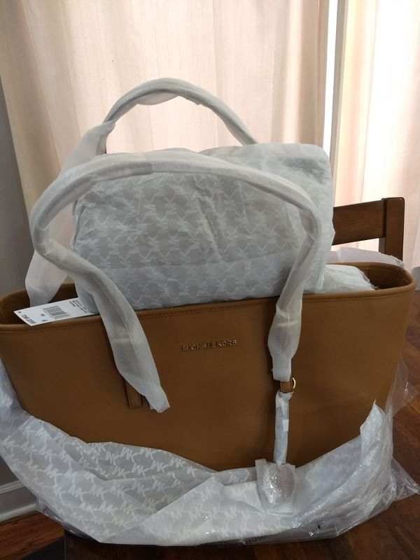 f60d86c2578c6f Brand New Authentic Michael Kors Jet Set Medium Travel Saffiano Leather Tote  - Acorn for Sale in Chicago, IL - OfferUp