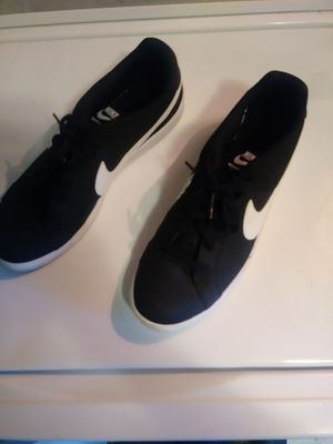 New Nike tennis shoes for Sale in Lexington, OK
