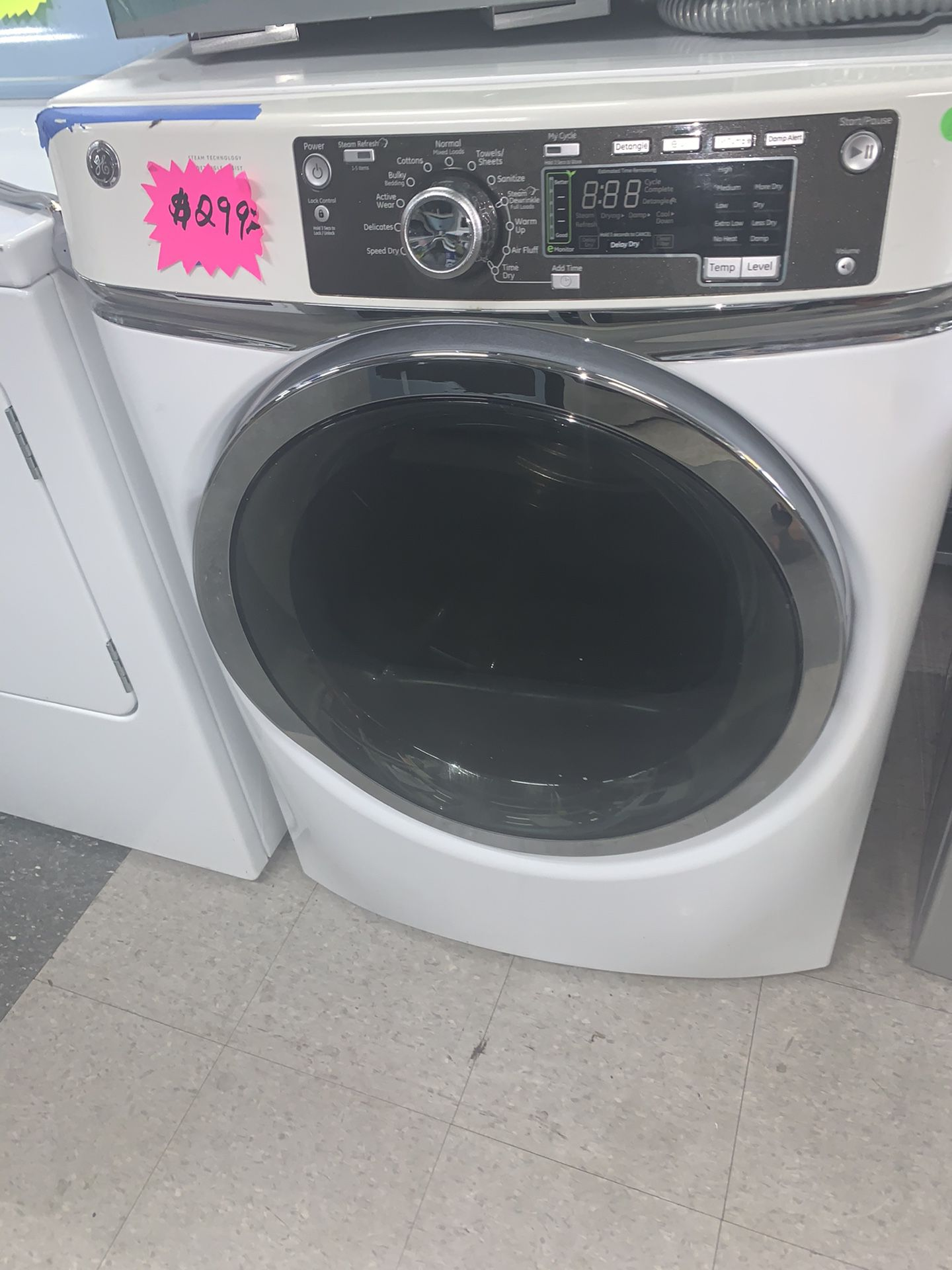 GE ELECTRIC DRYER FRONT LOAD EXCELLENT CONDITION. 4 MONTHS OF WARRANTY