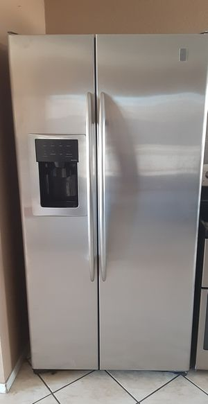 Photo GE profile side by side refrigerator