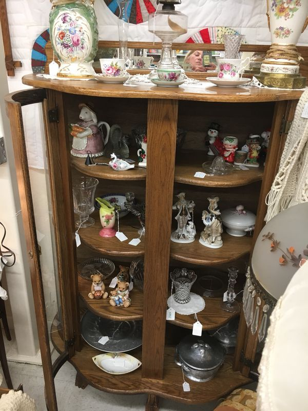 Antique Oak China Cabinet Rounded Glass Doors W Skeleton Key Lock Mirror Across Top Claw Feet Antiques In Sedro Woolley Wa Offerup