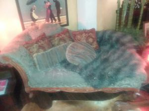 Beautful antique sofa and chase. Great condition. for Sale in Weslaco, TX