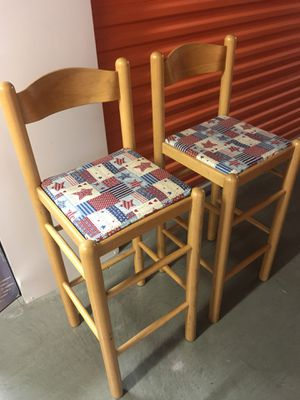 2 like NEW chairs for Sale in Seattle, WA