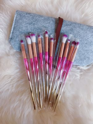 Ten pieces makeup brushes set with felt bag for Sale in Silver Spring, MD