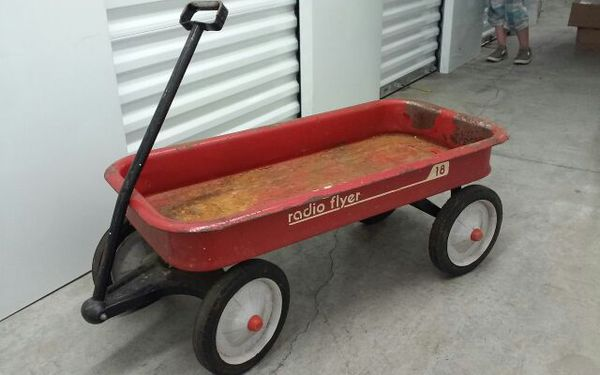 Radio Flyer Model 18 Red Wagon