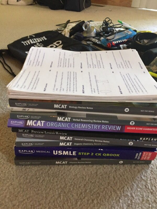 Kaplan MCAT review course books for Sale in Cuyahoga Falls, OH - OfferUp