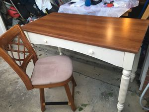 Desk with Chair for Sale in Dale City, VA