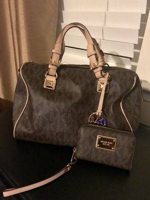 Large Michael Kors Grayson Handbag and Wallet for Sale in Gainesville, VA