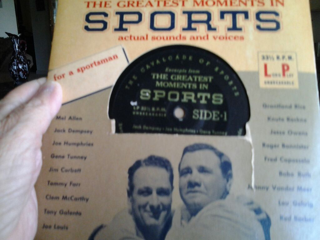 Awesome record with the real voices,never played, made sure it worked, Babe Ruth,Lou Gerig,
