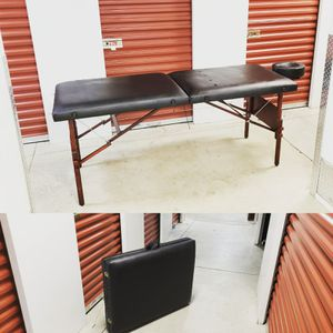 Massage Table for Sale in Hyattsville, MD