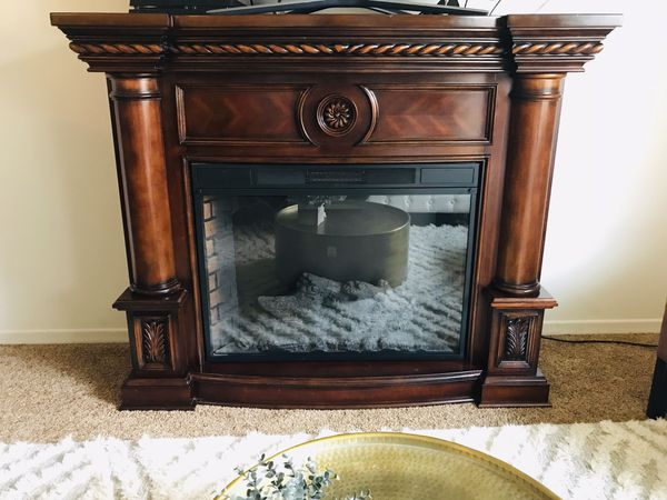 Twin Star Electric Fireplace Dark Brown Mantle Chimney 33ef010gra
