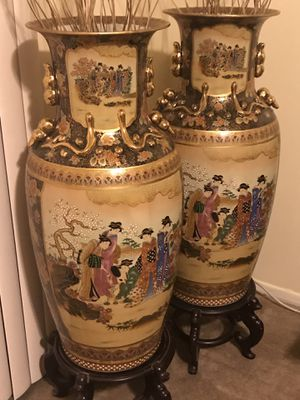 "2 collectible satsuma vases tall large 55""tall 44"" width stunning hand painted gold enamel glaze figures and flower with free stands and bamboo stick for Sale in MONTGOMRY VLG, MD"