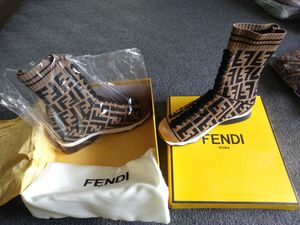 b1062efea4e Fendi Gucci Versace an more for Sale in Gulfport