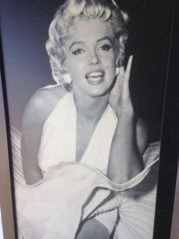 Dorable Marilyn Monroe Framed Posters Images - Picture Frame Design ...