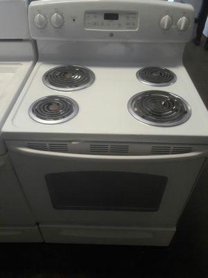 GE white Electric Stove - WARRANTY! Works great for Sale in Atlanta, GA