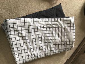 Target twin Xlong comforter for Sale in Rockville, MD