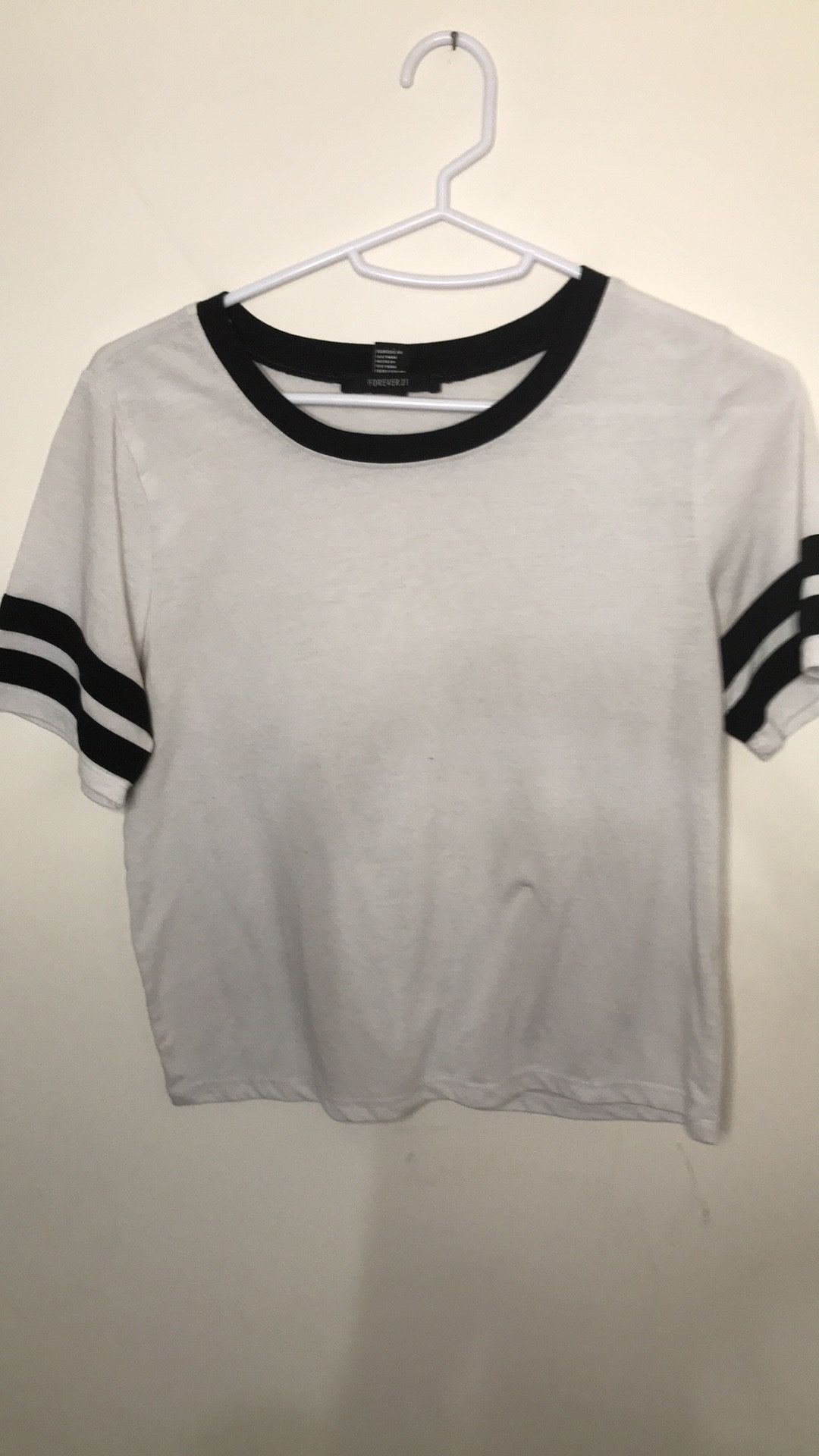 BNWOT forever21 black & white striped top!sz small