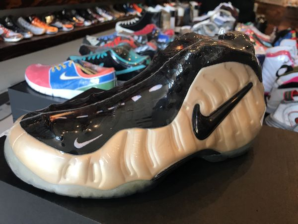 806146fa8dc6d Nike Foamposite pro pearl 2010 (size 8) for Sale in Alameda