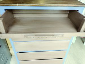 Dresser for Sale in Stuarts Draft, VA